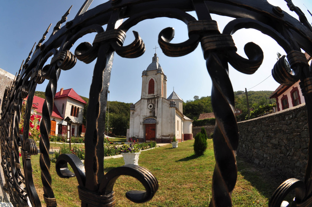 Svedoci trajanja - Manastir Bezjas - Foto Darko Dozet